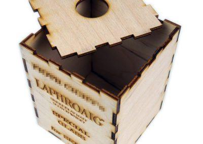 Drewniane pudełko ze sklejki na prezent