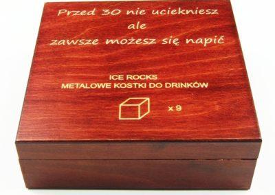 Drewniane pudełko grawerowane laserem