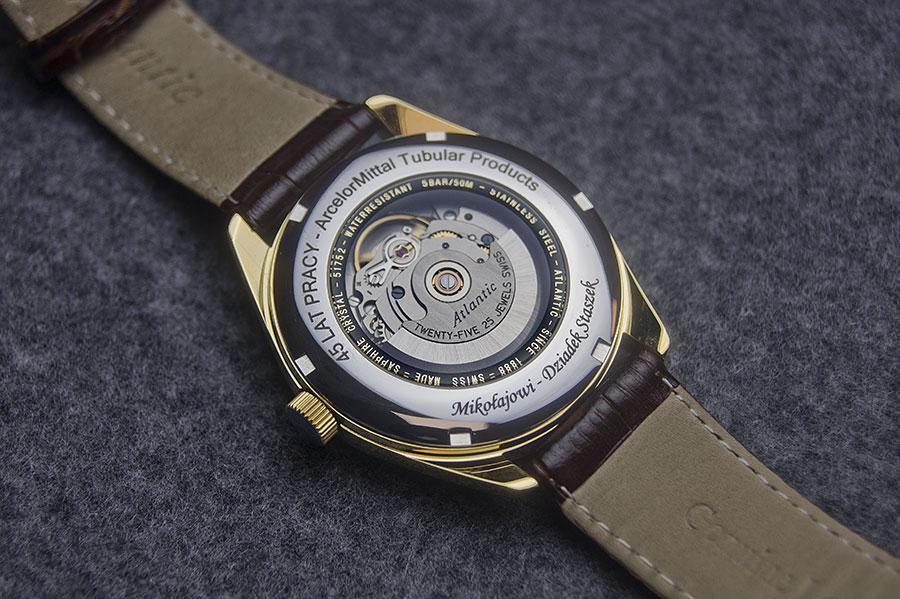 Grawerowanie zegarków po łuku lub okręgu