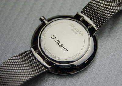 Laserowe grawerowanie zegarków metalowych