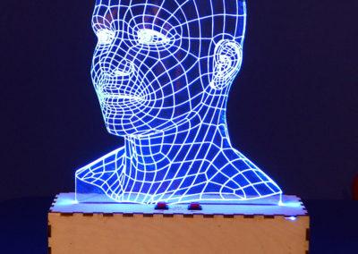 Super gadżet lub prezent: lampa led 3d wykonana laserem w pleksi i sklejce