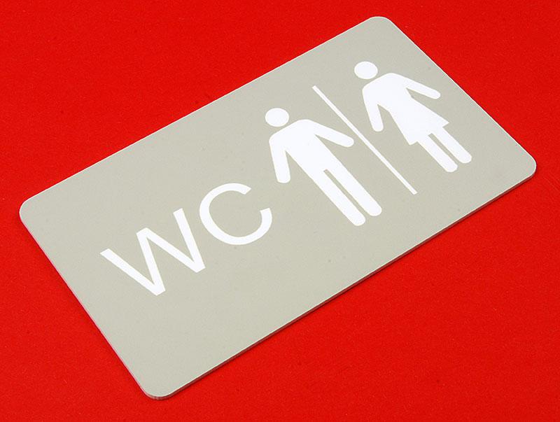 Tabliczka WC wycięta i wygrawerowana laserem z laminatu grawerskiego